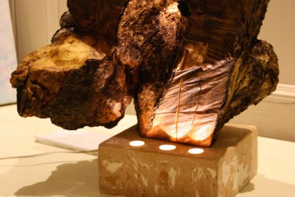 scultura grigia